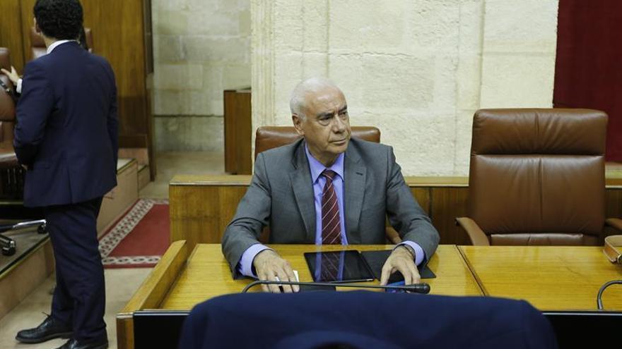 Exconsejero Luciano Alonso dimite como diputado tras el anuncio del juicio oral