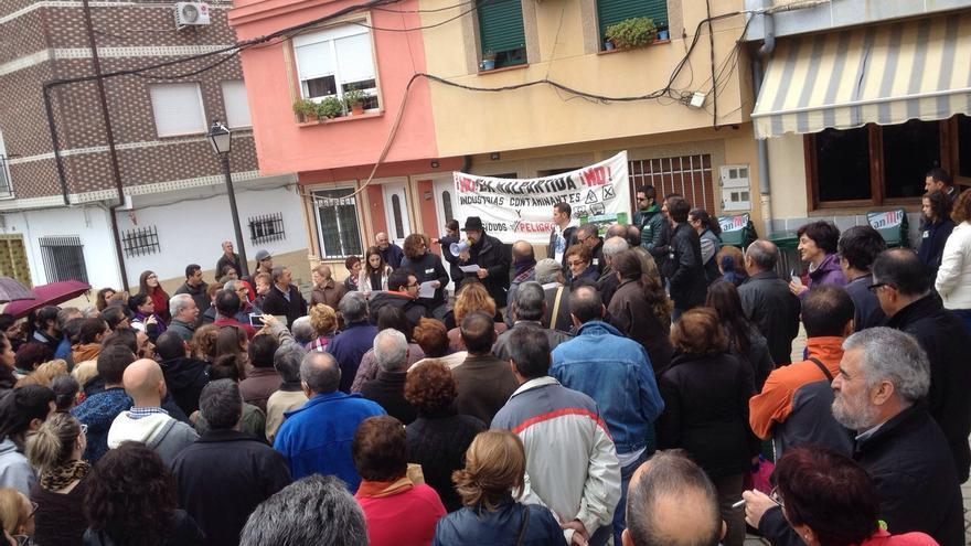 Imagen de la concentración de este sábado en Malpartida de Plasencia.
