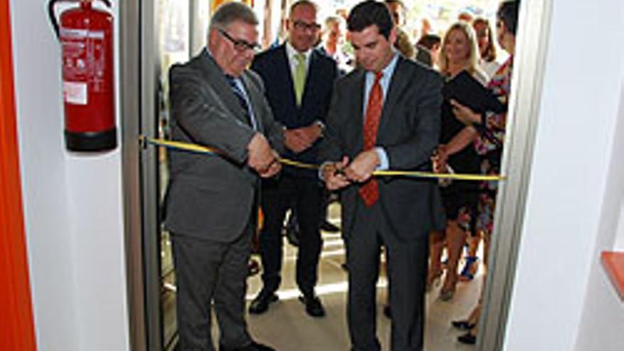 Los Bravo, inaugurando el centro polifuncional.