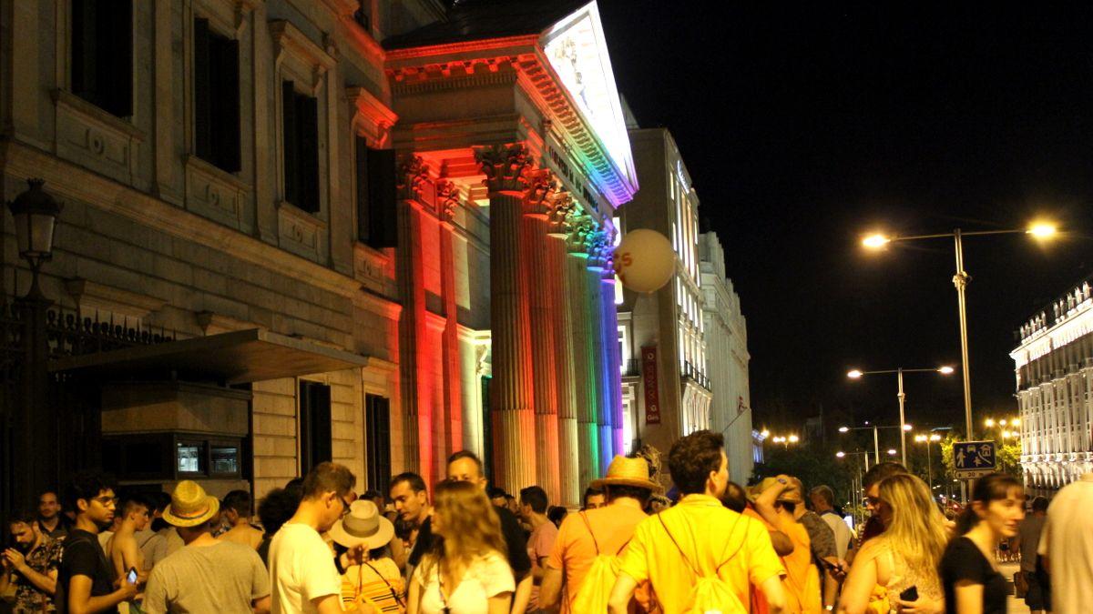 Afiliados de Ciudadanos frente al Congreso de los Diputados | SOMOS CHUECA