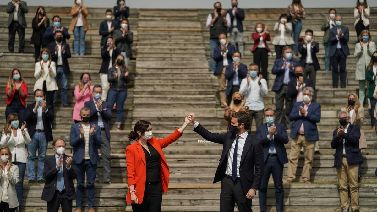 Isabel Díaz Ayuso y Pablo Casado, este miércoles, en Madrid.