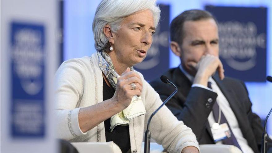 Lagarde insta a la zona euro, EE.UU. y Japón a impulsar la economía ante la fragilidad