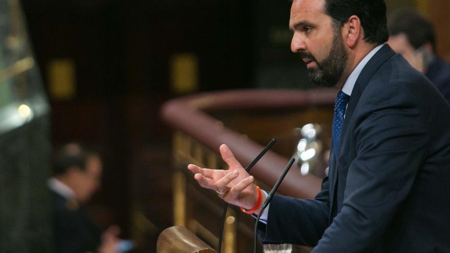 """El Gobierno se pronunciará este miércoles en el Congreso sobre la """"guerra de las banderas"""" en Navarra"""