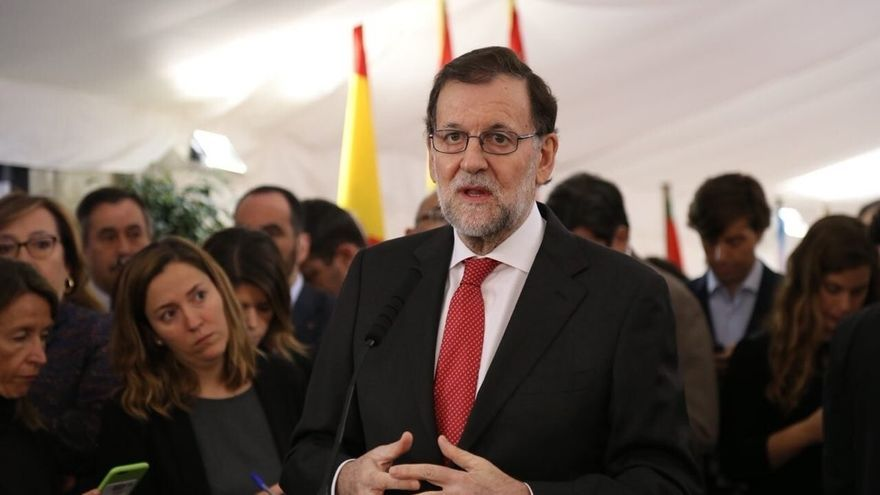 """Rajoy, dispuesto a una reforma """"razonable"""" de la Constitución si antes se fija con """"claridad"""" lo que no se tocará"""