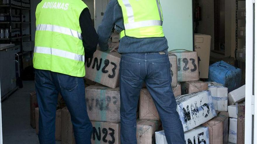 Intervienen 1.700 kilos de hachís con cuatro detenidos en la costa de Granada