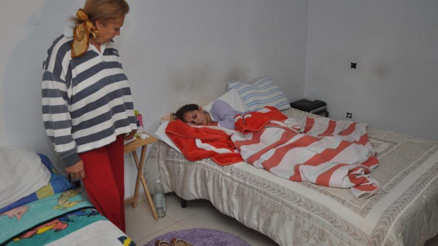 Desahucio de una familia en Lomo Magullo. (ÁNGEL SARMIENTO)
