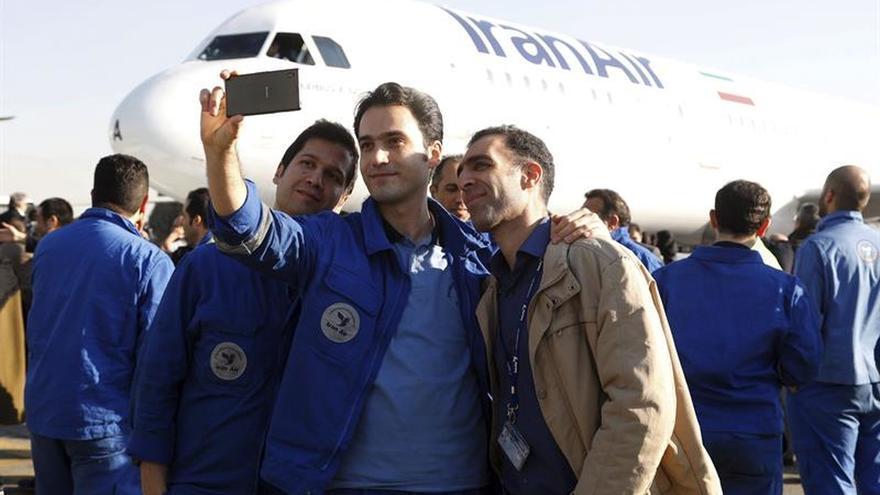 Irán recibe con honores su primer avión Airbus nuevo en décadas