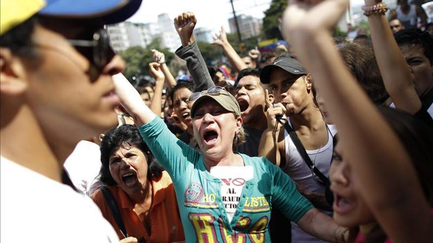 """Capriles reitera llamado a movilizaciones """"en paz"""" hacia oficinas electorales"""