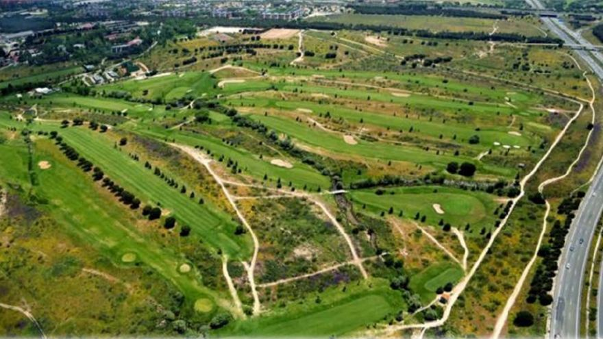 El campo de golf del centro deportivo La Dehesa