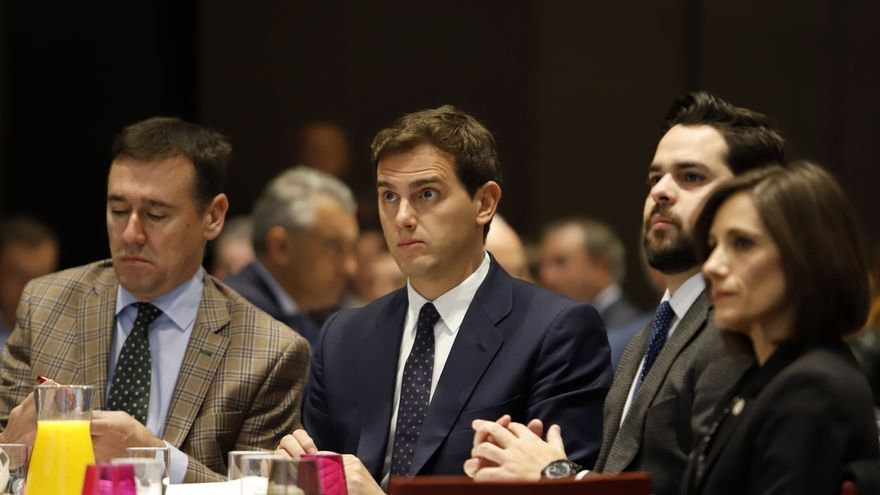 """Rivera rechaza los Presupuestos de Sánchez y le reprocha que haya aceptado el """"chantaje"""" del nacionalismo"""