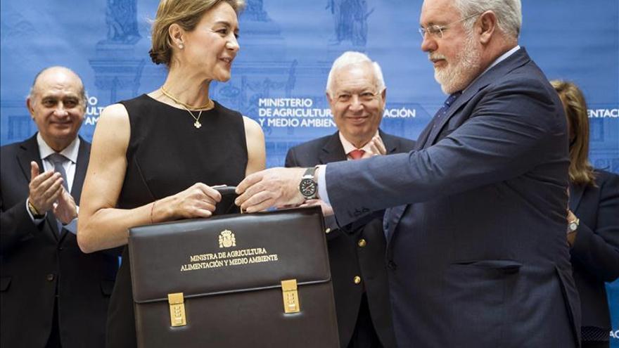 Rajoy hablará de pensiones en el estreno parlamentario de García Tejerina