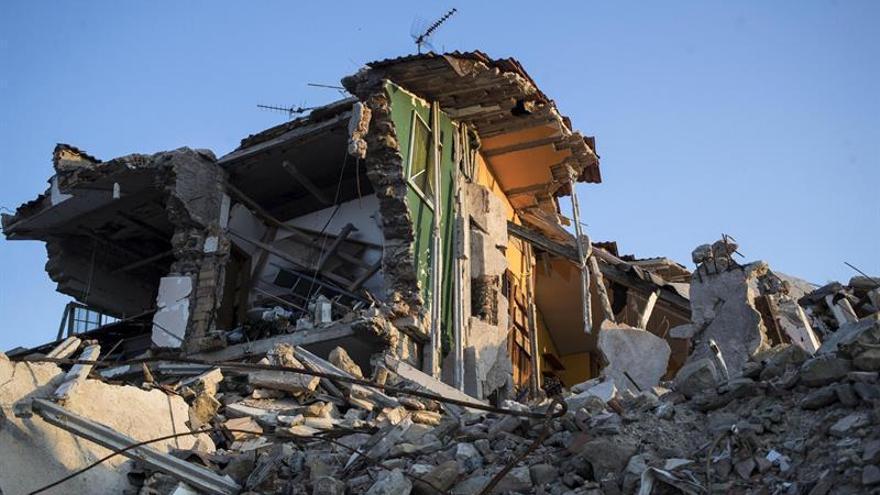 Pastores italianos se reponen a duras penas de la pesadilla del terremoto