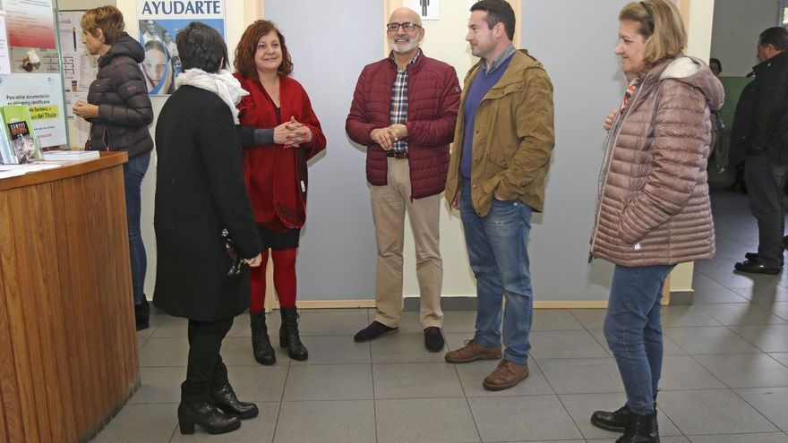 Visita institucional del consejero de Sanidad, Miguel Rodríguez. | ARCHIVO