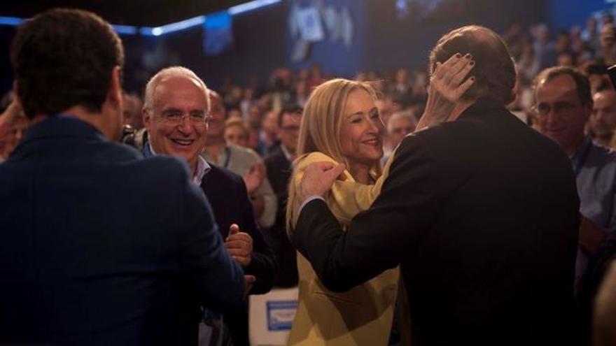 Cifuentes entre aplausos en la reciente Convención del PP en Sevilla