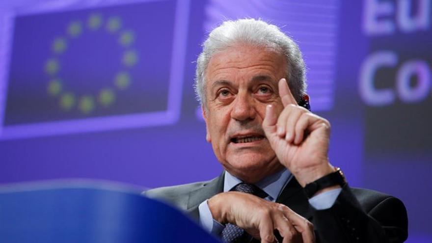 La CE destaca avances en la gestión migratoria y propone retomar los traslados a Grecia