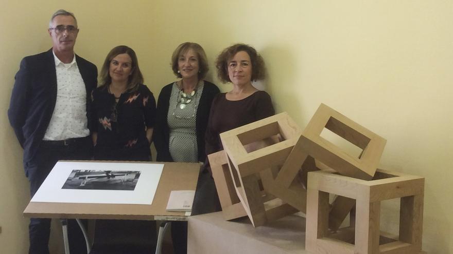 Raúl Hevia y Emilia Carrera, ganador y accésit del Premio de Artes Plásticas de Cantabria