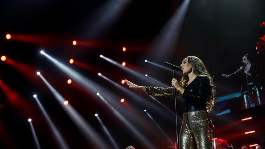"""La cantante Mónica Naranjo durante el primer concierto de una gira sinfónica y roquera titulada """"Renaissance"""", este miércoles en Madrid ."""