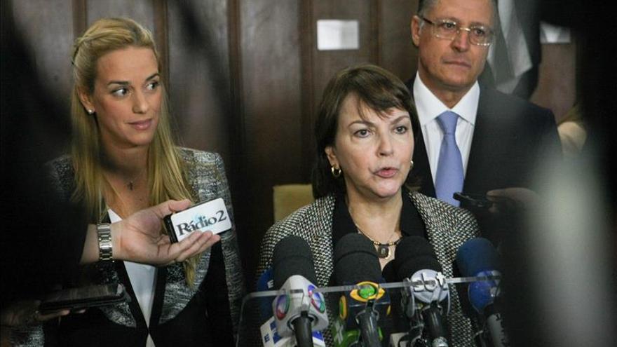 El alcalde de Caracas no aceptaría nunca un exilio, dice su esposa en Brasil