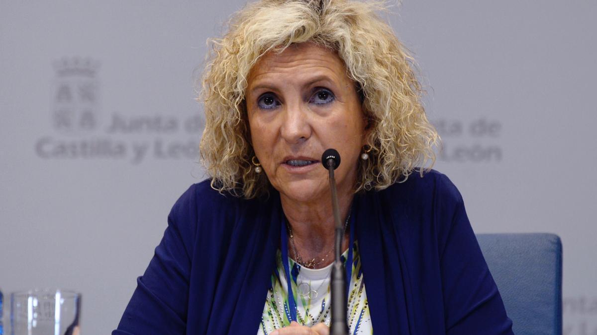 La consejera de Sanidad, Verónica Casado comparece este martes en rueda de prensa posterior al Consejo de Gobierno extraordinario. EFE/ Nacho Gallego