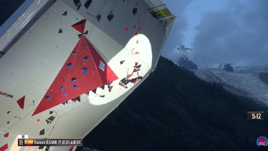 Ramonet durante la prueba celebrada en Chamonix (© IFSC).
