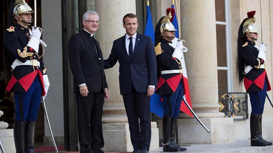 Macron recibe al arzobispo de La Seu, el segundo copríncipe de Andorra