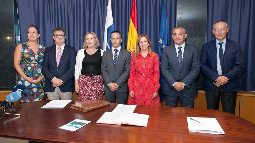 El hasta ahora director general del Tesoro y Política Financiera del Gobierno de Canarias, Javier Armas, ha tomado posesión este miércoles como nuevo viceconsejero de Hacienda.