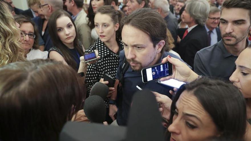 Iglesias exige sentido común a PP y PSOE y que no impidan asamblea alcaldes