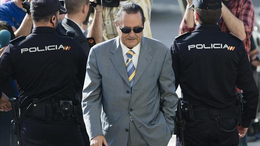 Julián Muñoz acepta un año de cárcel en otro caso urbanístico