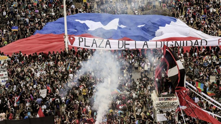 El 25 de octubre de 2019 se realizó la mayor concentración popular de la historia chilena en reclamo de cambios políticos.