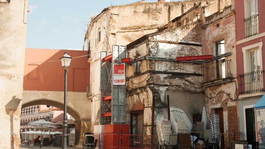Edificio en ruinas de la Plaza de San José, propiedad del Ayuntamiento.