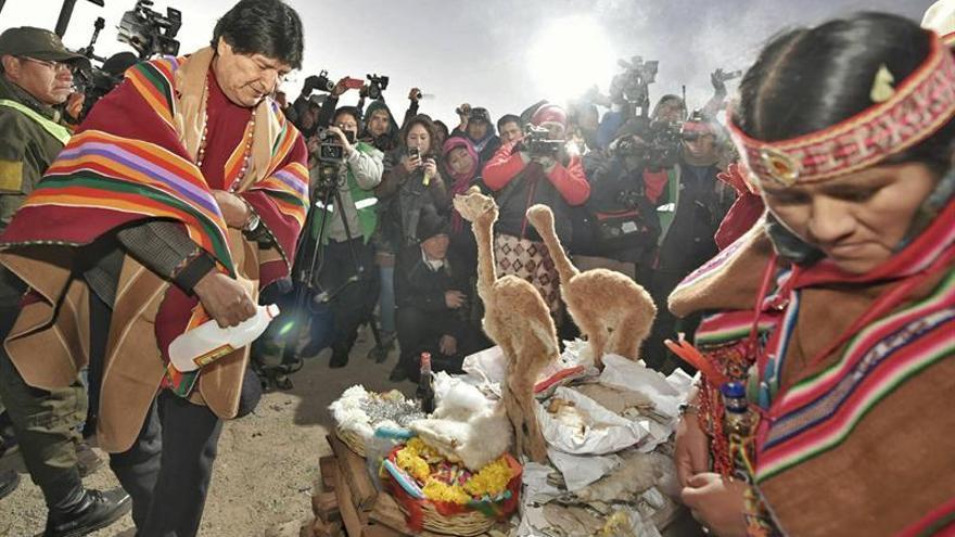 Evo Morales encabeza las celebraciones del año nuevo andino 5525 en Bolivia