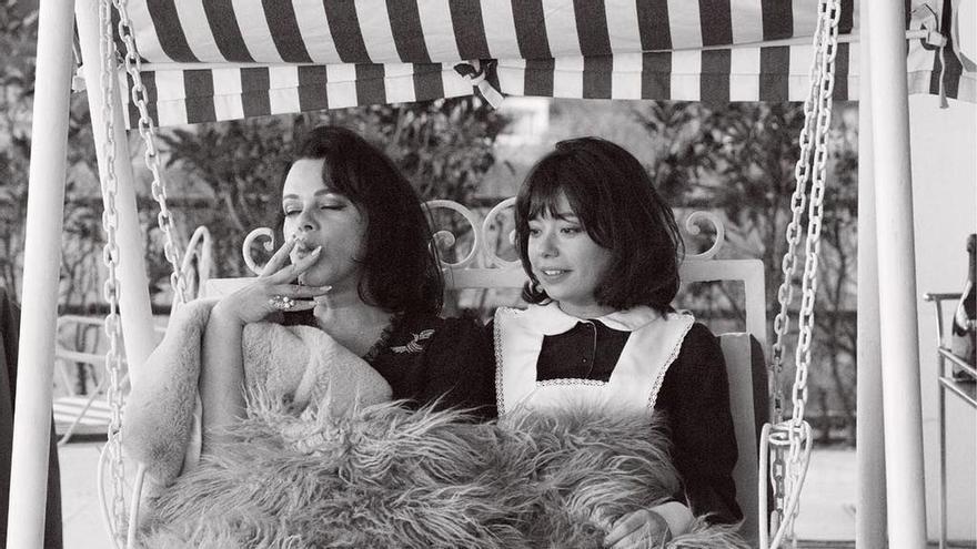 Ava Gardner y Pilar en una de las escenas de Arde Madrid