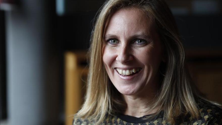 "Escritora española desgrana el Club Bilderberg como ""cuarto poder"" mundial - Escritora-espanola-desgrana-Club-Bilderberg_EDIIMA20151119_0024_4"