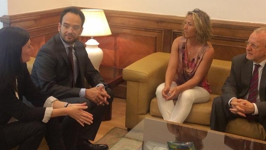 Gala León recibe el apoyo del PSOE y pide al Gobierno frenar a quienes buscan deslegitimarla como capitana de la Davis