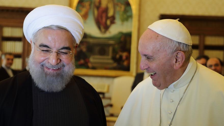 El papa Francisco se reúne con el presidente iraní, Hasán Rohani, en el Vaticano