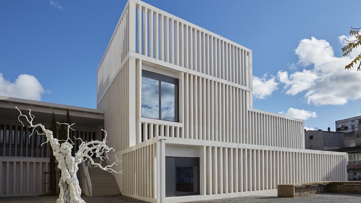 Edificio del Museo Helga de Alvear de Cáceres, diseño de Emilio Tuñón