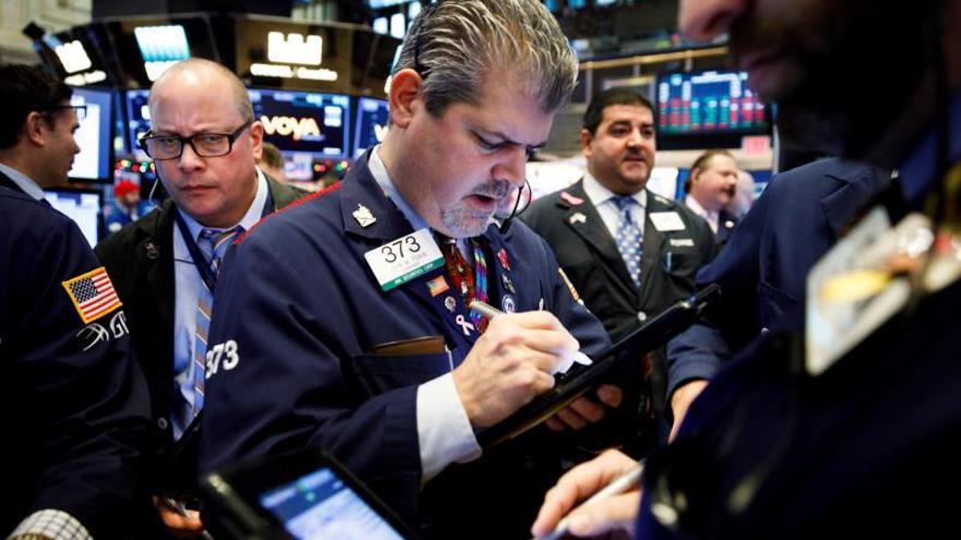 Wall Street abre con pérdidas y el Dow Jones baja un 0,27 %
