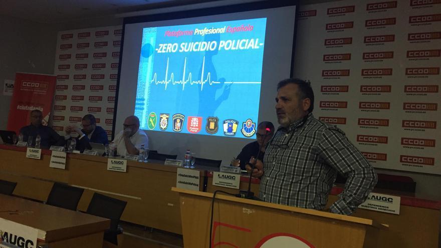 Casimiro Villegas en la jornada de prevención del suicidio policial