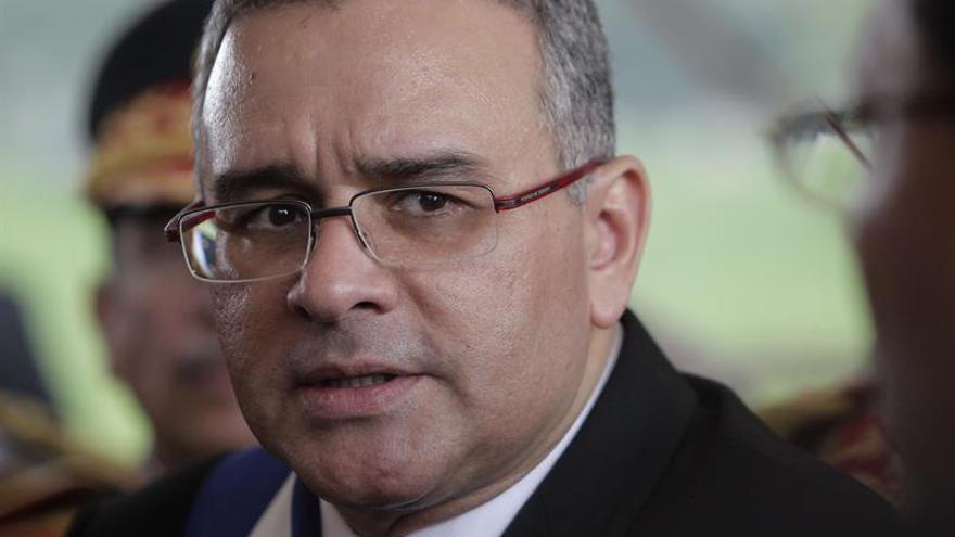 Una corte salvadoreña autoriza seis meses de investigación judicial contra Funes