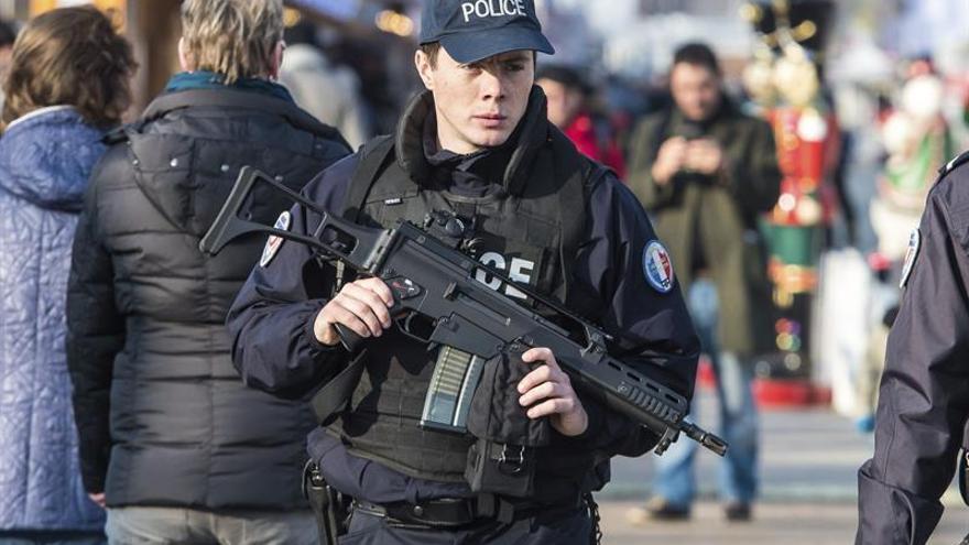 Juzgan en París a los 7 detenidos por manifestarse en favor de los etarras