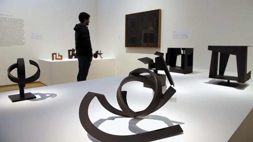 """El Museo Oteiza presenta un """"catálogo razonado"""" de la escultura del artista"""