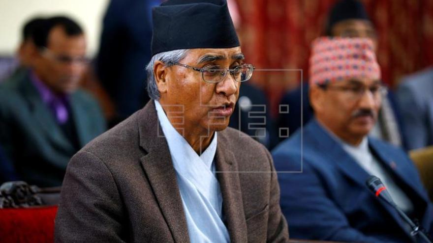 El comunista Oli vuelve al poder en Nepal