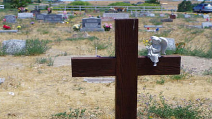 Hay cientos de niños y bebés enterrados en el cementerio Peaceful Valley, en Idaho.
