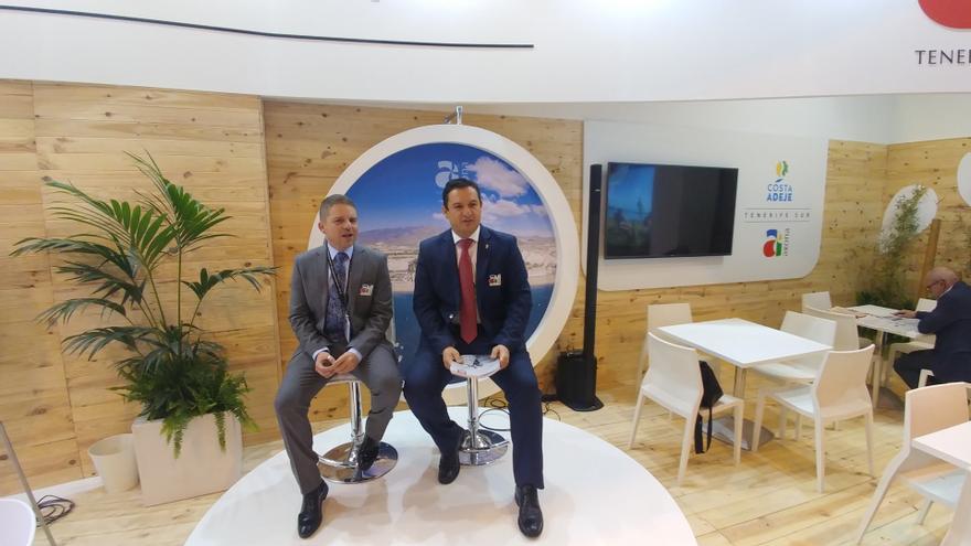 David Pérez, concejal de Turismo en Arona, y José Julián Mena, alcalde del mismo municipio