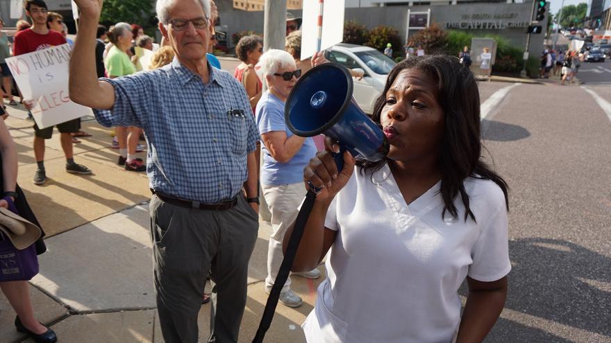 Cory Bush, candidata demócrata al Congreso por Missouri