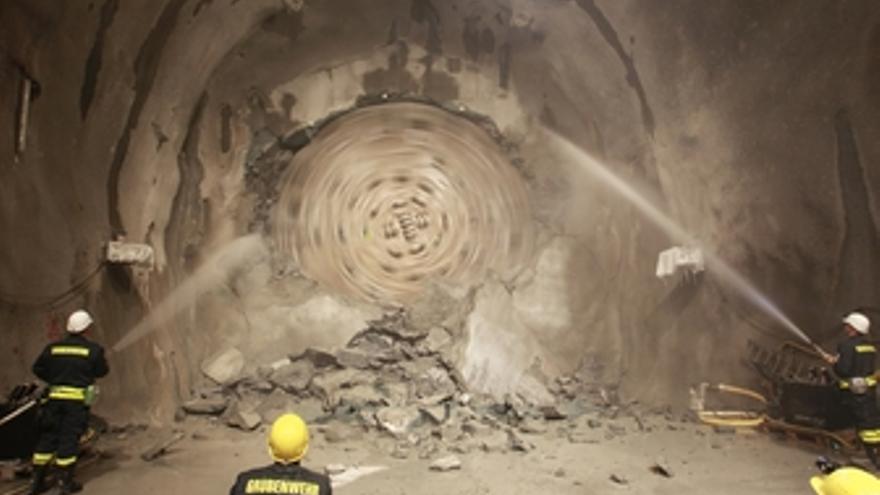 Culmina en Suiza la excavación del túnel más largo del mundo