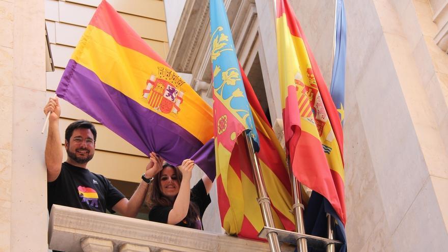 EUPV rechaza quitar la bandera republicana de un balcón de la Diputación de Valencia
