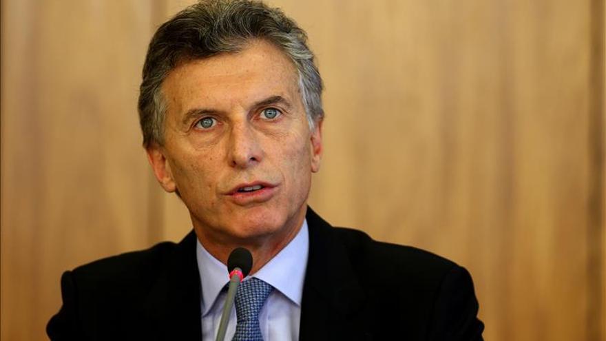 """Macri expresa confianza en la democracia brasileña y ve """"tranquila"""" a Rousseff"""