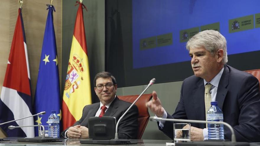 """Dastis afirma que el Rey y Rajoy visitarán Cuba """"lo antes posible"""""""
