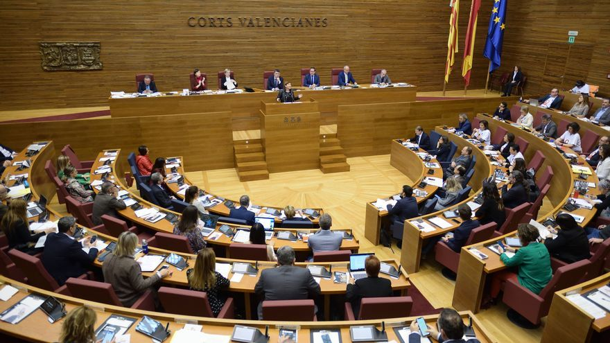 Un instante del pleno de las Corts Valencianes de este jueves.